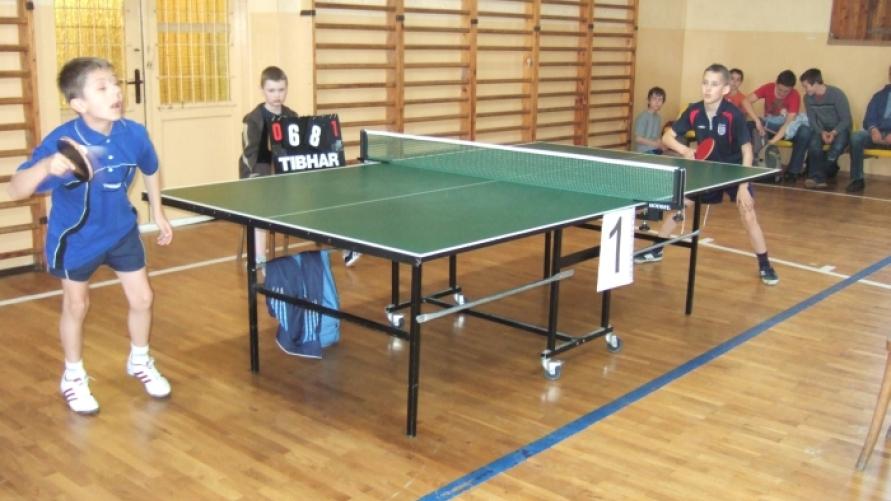Mistrzostwa o Puchar Burmistrza Kobylina w tenisie stołowym.