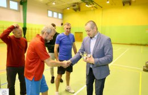 Halowe deblowe mistrzostwa gminy Kobylinw tenisie ziemnym