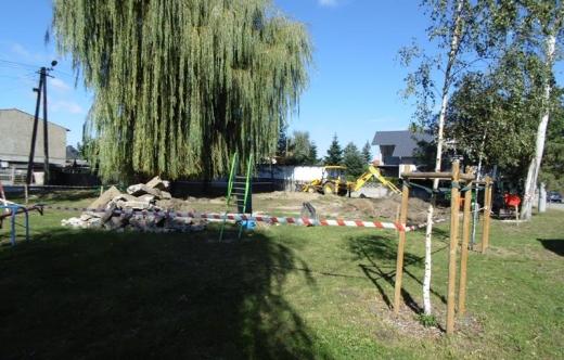 Budowa sprawnościowego placu zabaw przy ulicy Grobla w Kobylinie!