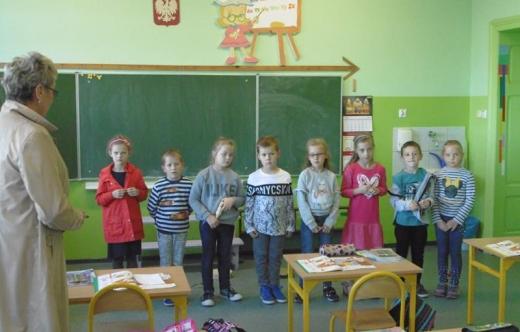 Wręczenie odblasków w Szkole Podstawowej w Zalesiu Małym!