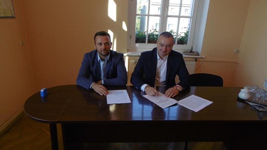 Podpisano umowę na przebudowę ulicy Mickiewicza w Kobylinie