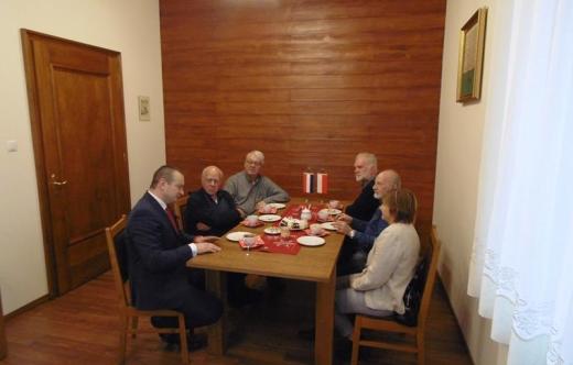 Wizyta Holendrów w Kobylinie z paczkami świątecznymi