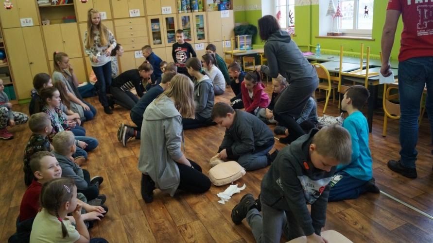 Widok zajęć z dziećmi.