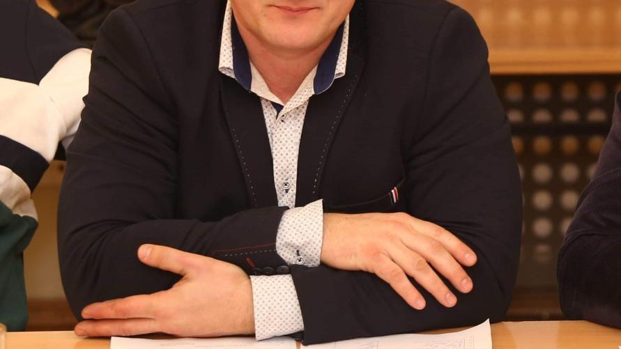 Sołtys Starego Kobylina Michał Skupin.