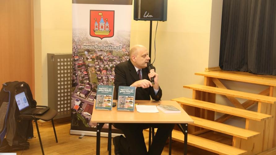 Promowanie książki przez autora Sławomira Pałasza.