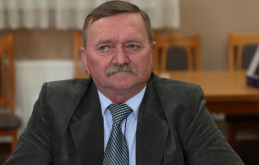 Sołtys Zalesia Wielkiego Zenon Miedziński.