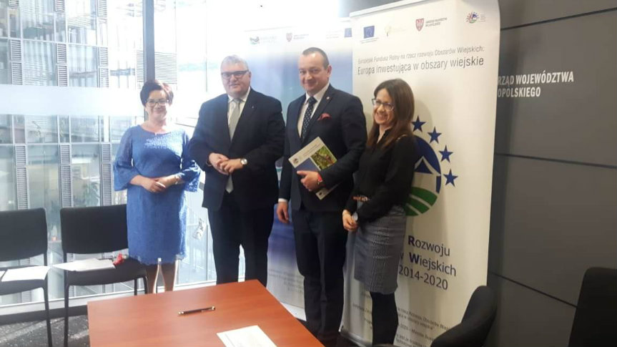 podpisanie umowy w Urzędzie Marszałkowskim