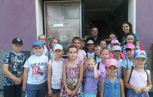 Zdjęcie grupowe dzieci.