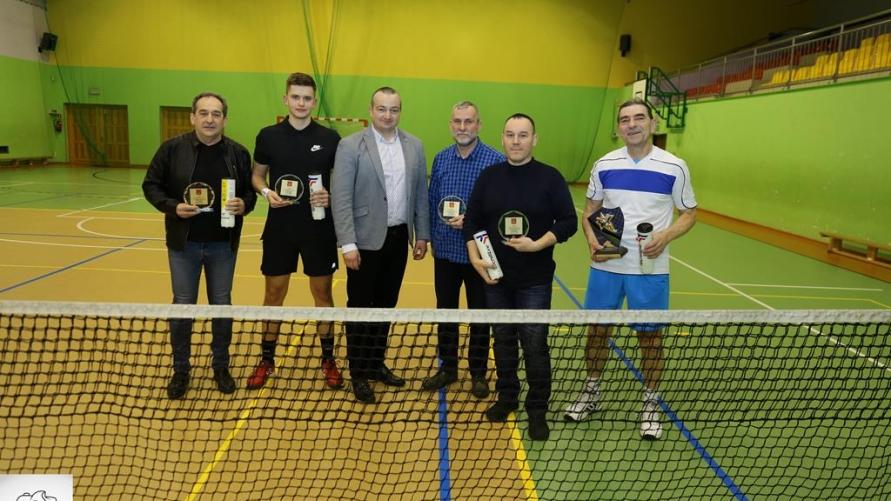 Zwycięzcy halowej ligi tenisa ziemnego