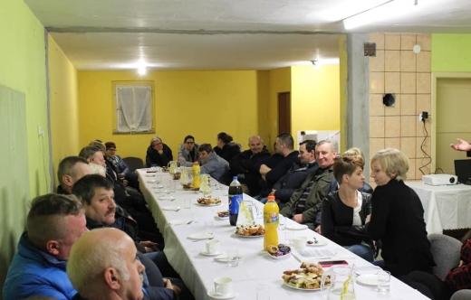 Zebranie wiejskie w Długołęce
